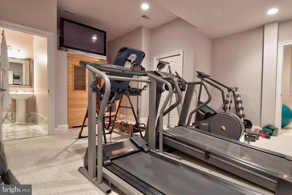 Gym with Sauna and Steam Bath - 1347 KIRBY RD, MCLEAN