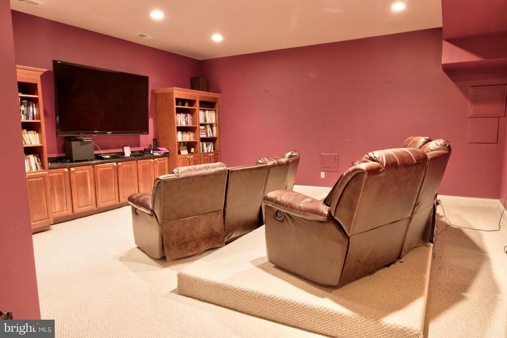 Home Theater - 1347 KIRBY RD, MCLEAN