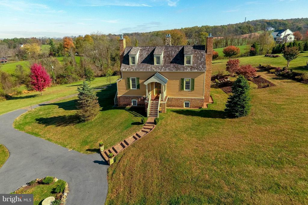 Welcome!  4500 sqft Federal colonial home - 15826 OLD WATERFORD RD, PAEONIAN SPRINGS