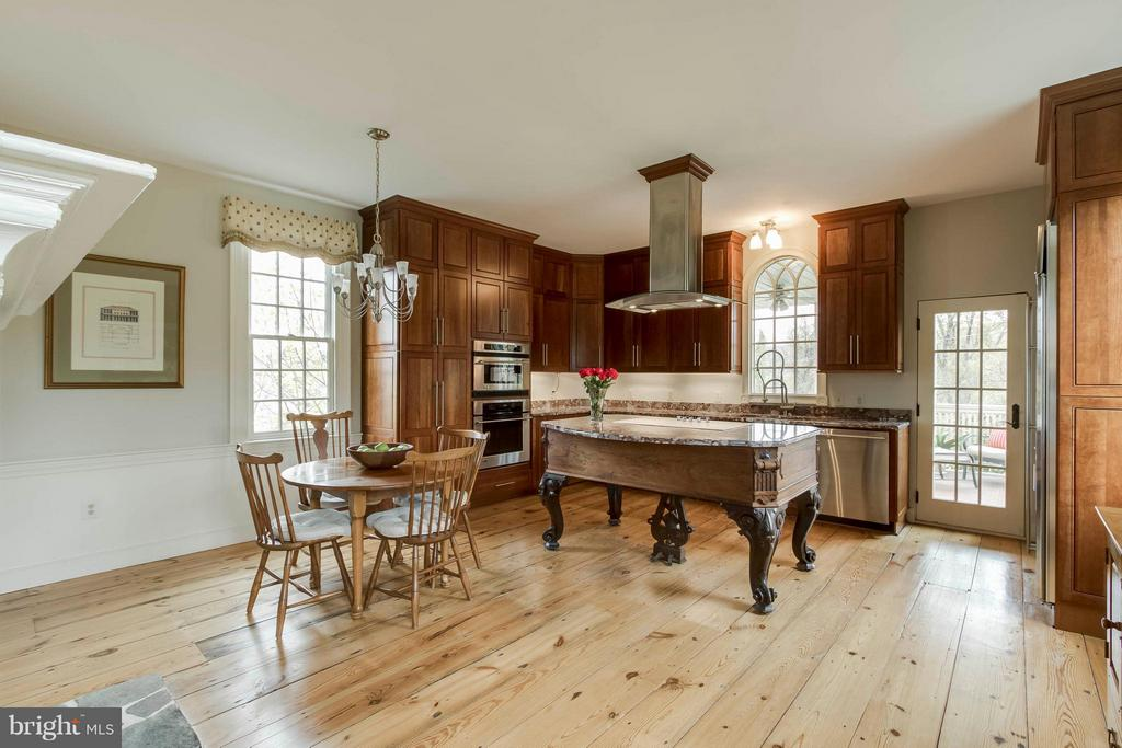 Stainless GE Mongram Appliances - 15826 OLD WATERFORD RD, PAEONIAN SPRINGS