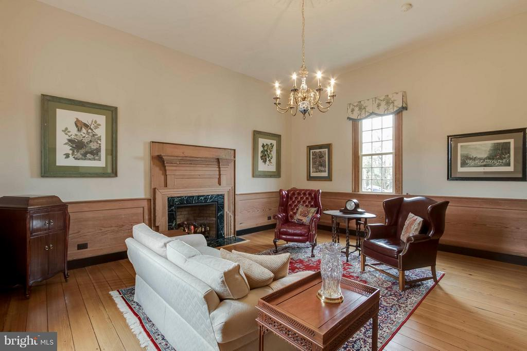 South Parlor - primary drawing room - 15826 OLD WATERFORD RD, PAEONIAN SPRINGS