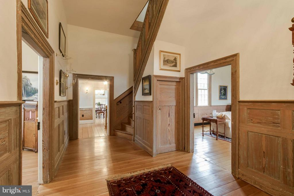 Main Center Hallway with 12.5 foot ceilings - 15826 OLD WATERFORD RD, PAEONIAN SPRINGS