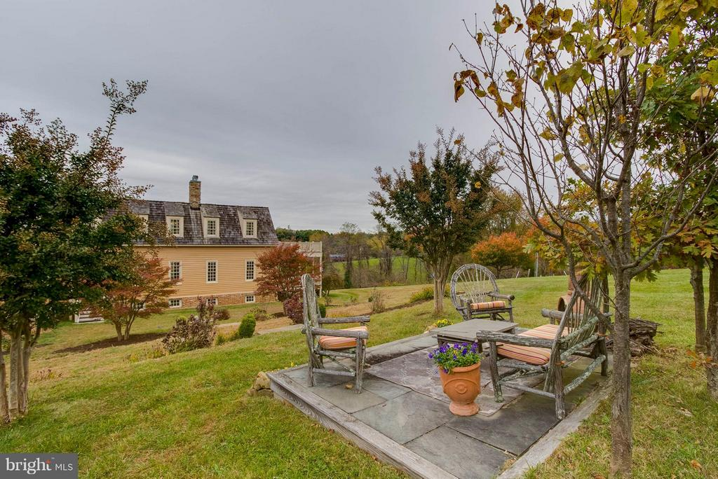 Sitting area outside - 15826 OLD WATERFORD RD, PAEONIAN SPRINGS