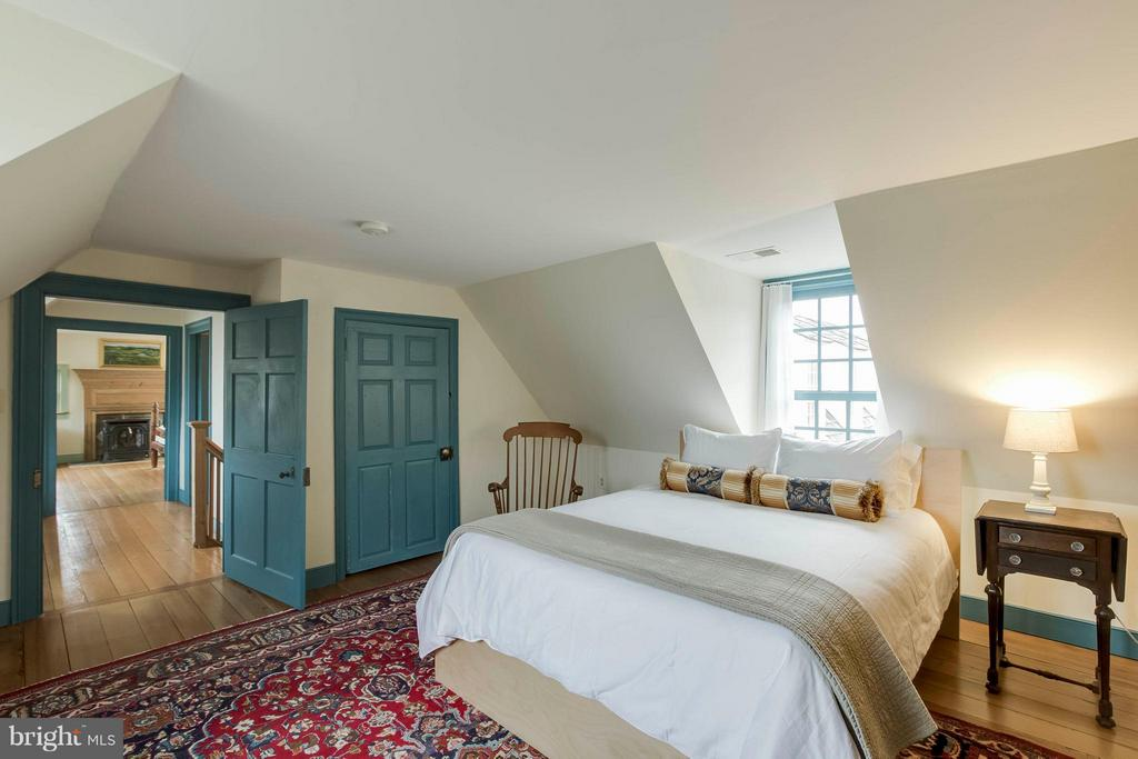 Blue Bedroom with wide planked wood flooring - 15826 OLD WATERFORD RD, PAEONIAN SPRINGS