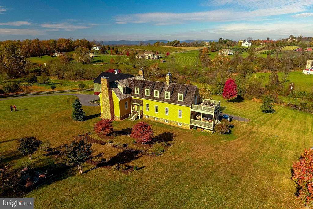 Property is nestled on 3+ acres - 15826 OLD WATERFORD RD, PAEONIAN SPRINGS