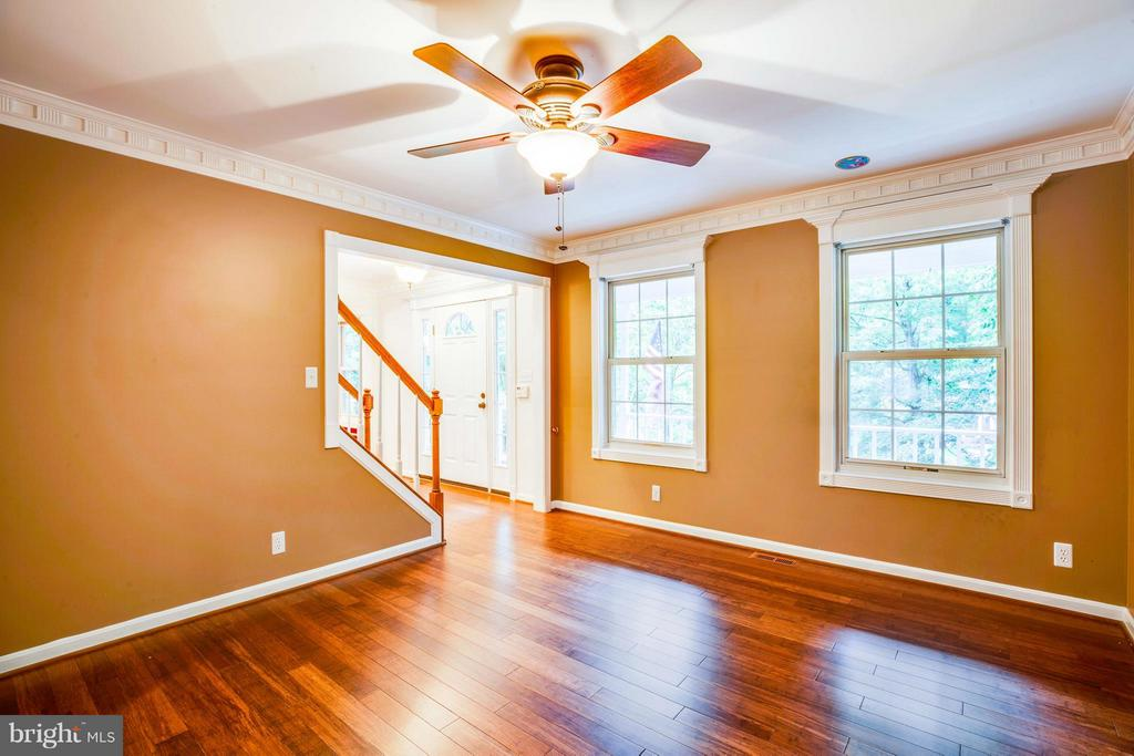 Beautiful wood floors in Living Room - 113 COLUMBUS CV, STAFFORD