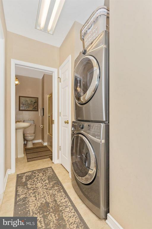 Laundry - 4158 SOUTHBEND LN, SHARPSBURG