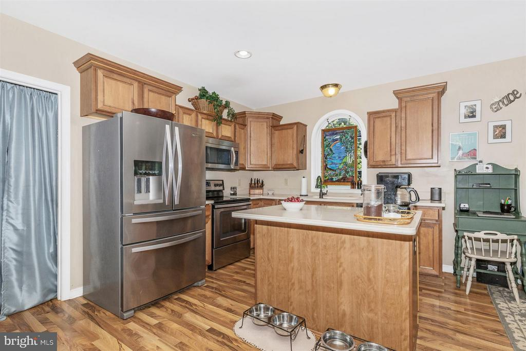 Kitchen - 4158 SOUTHBEND LN, SHARPSBURG