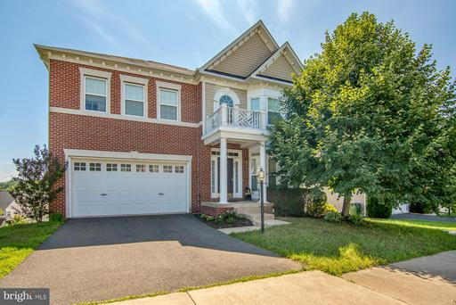 84 CARRIAGE HILL DR
