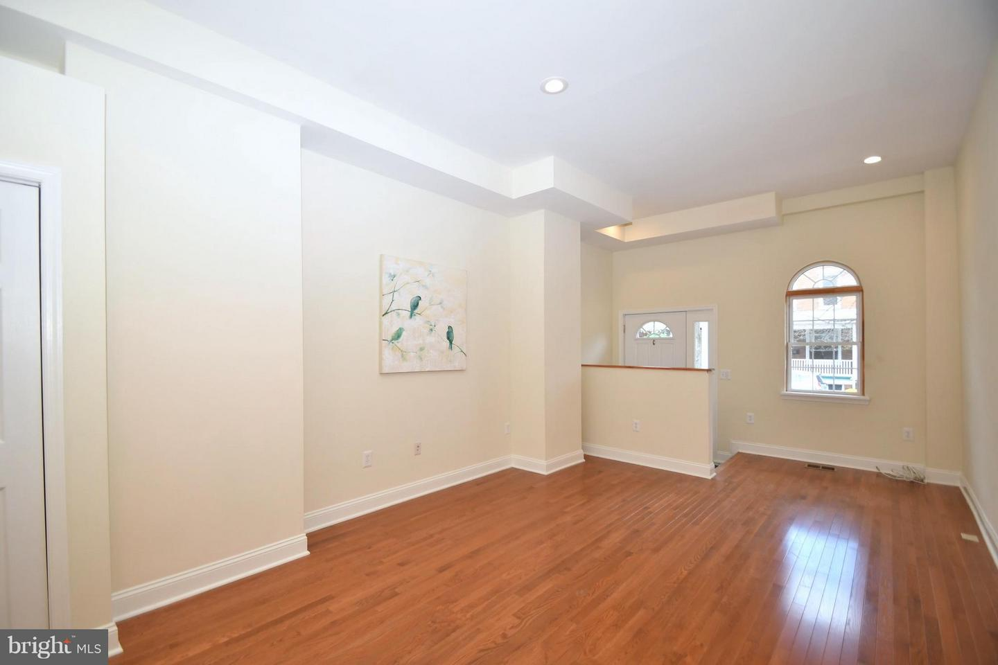 Single Family for Sale at 3046 Keswick Rd Baltimore, Maryland 21211 United States