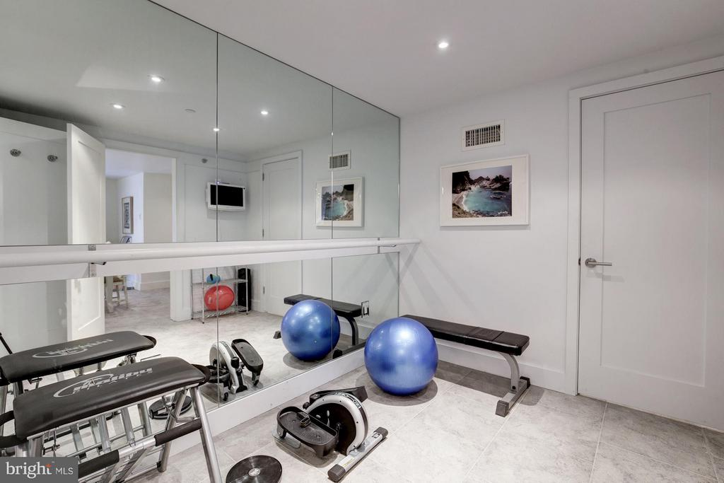 Exercise Room W/ Bath - 2900 K ST NW #601, WASHINGTON