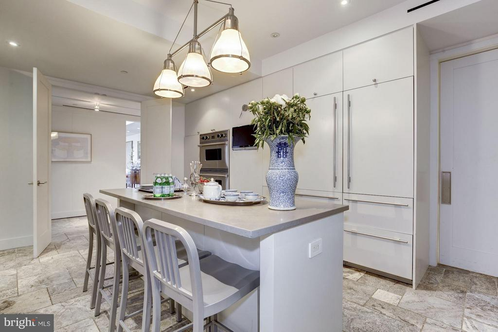 Gourmet Kitchen W/ Separate Catering Area - 2900 K ST NW #601, WASHINGTON