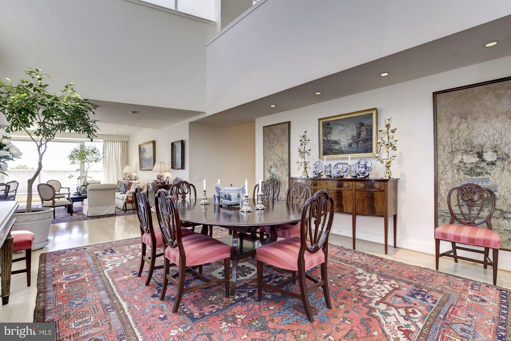 Dining Room W/ Soaring Two-Story Ceiling - 2900 K ST NW #601, WASHINGTON