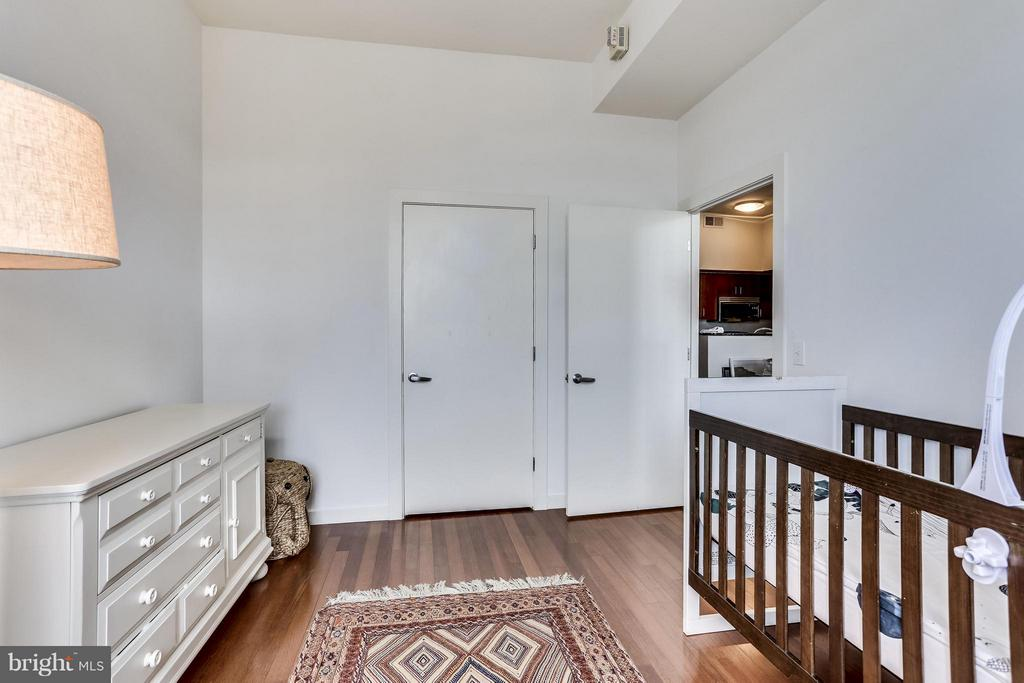 Bedroom with walk in closet - 1000 NEW JERSEY AVE SE #PENTHOUSE 10, WASHINGTON