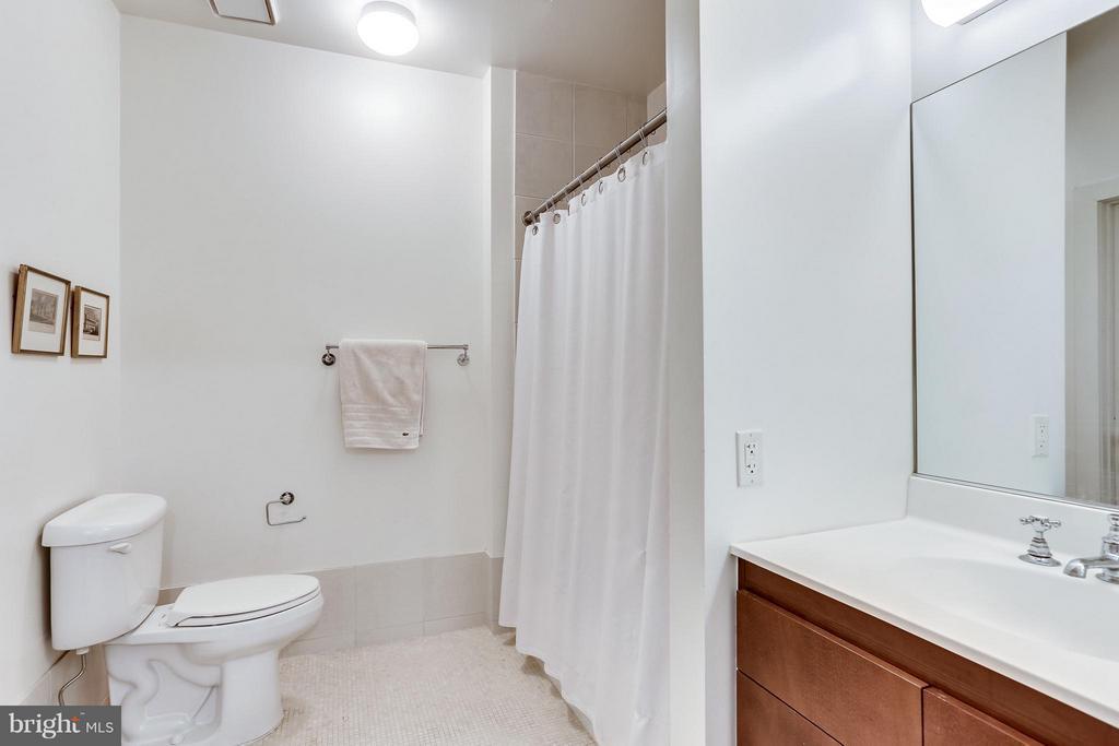 Full bath - 1000 NEW JERSEY AVE SE #PENTHOUSE 10, WASHINGTON