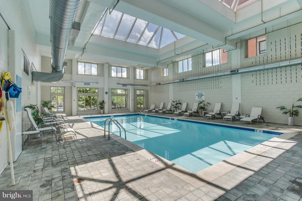 Indoor pool - 1000 NEW JERSEY AVE SE #PENTHOUSE 10, WASHINGTON