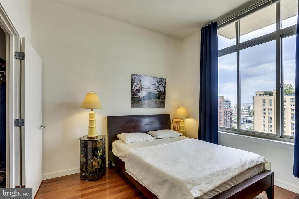 Sun-drenched master bedroom - 1000 NEW JERSEY AVE SE #PENTHOUSE 10, WASHINGTON