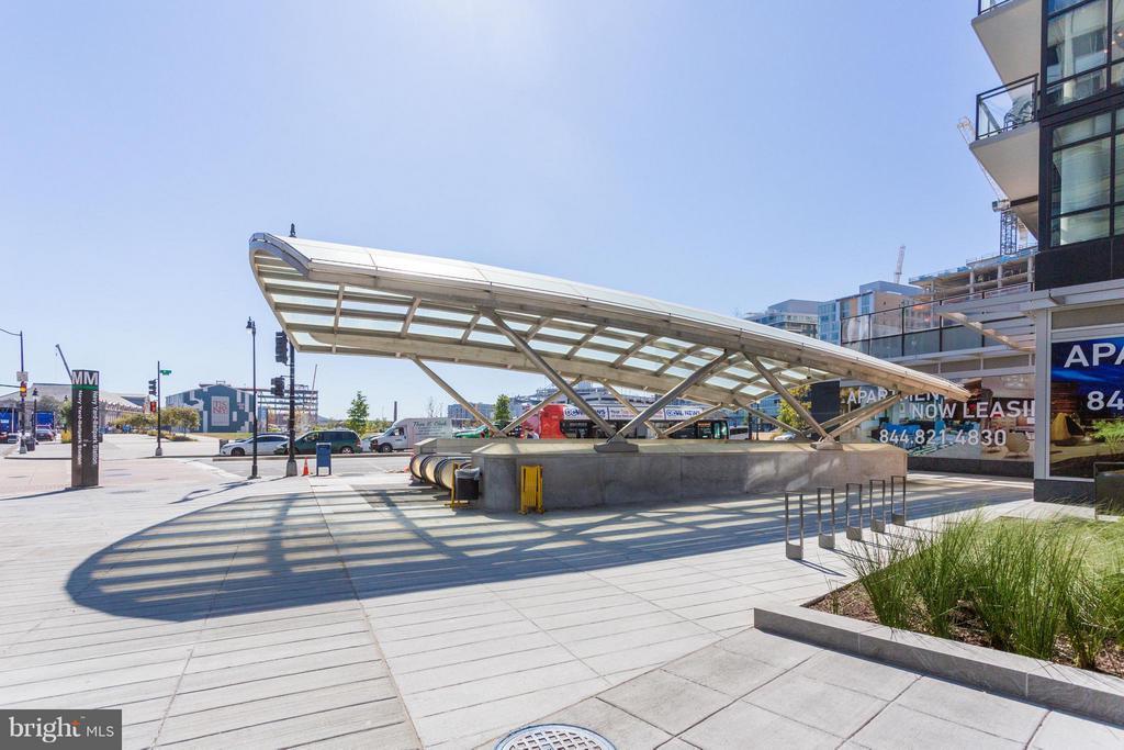 Navy Yard Metro one block away - 1000 NEW JERSEY AVE SE #PENTHOUSE 10, WASHINGTON