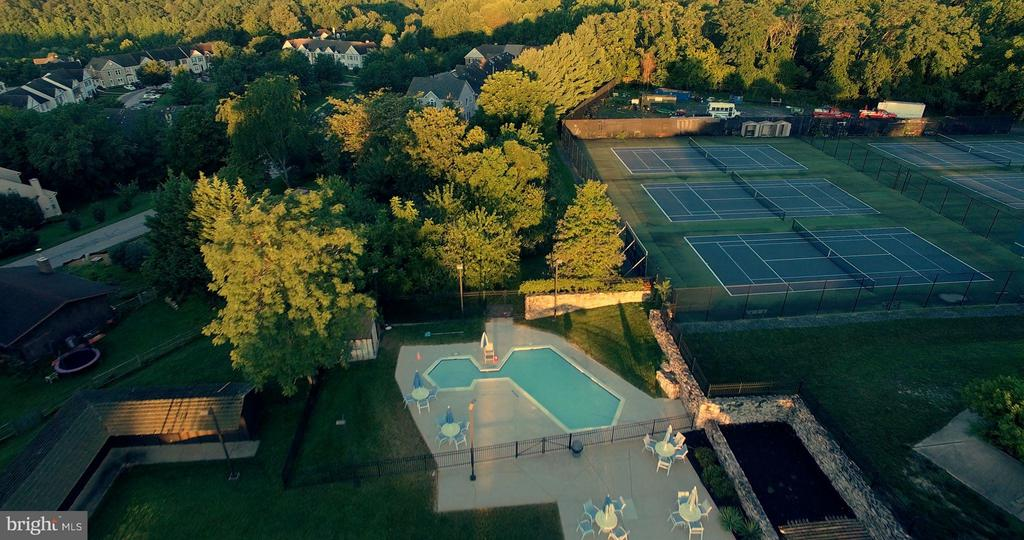 Community Pool & Tennis Courts - 6603 ACCIPITER DR, NEW MARKET