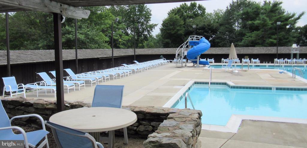 Coldstream Pool - ACCIPITER DR, NEW MARKET