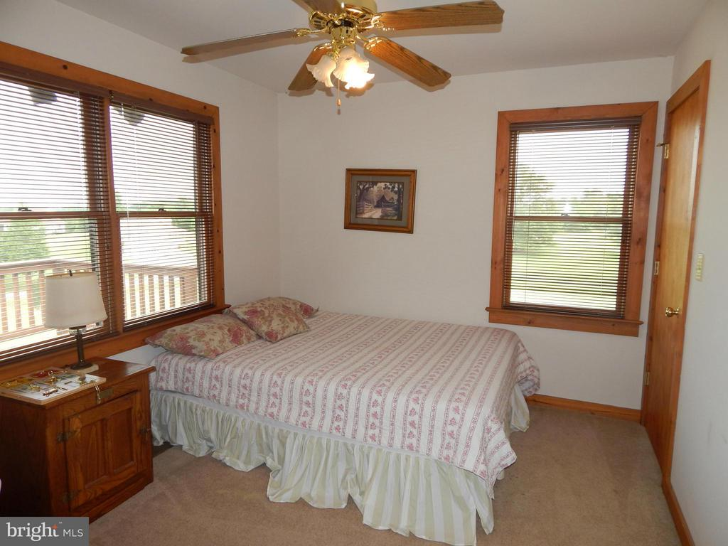 Bedroom - 367 SECLUSION SHORES DR, MINERAL