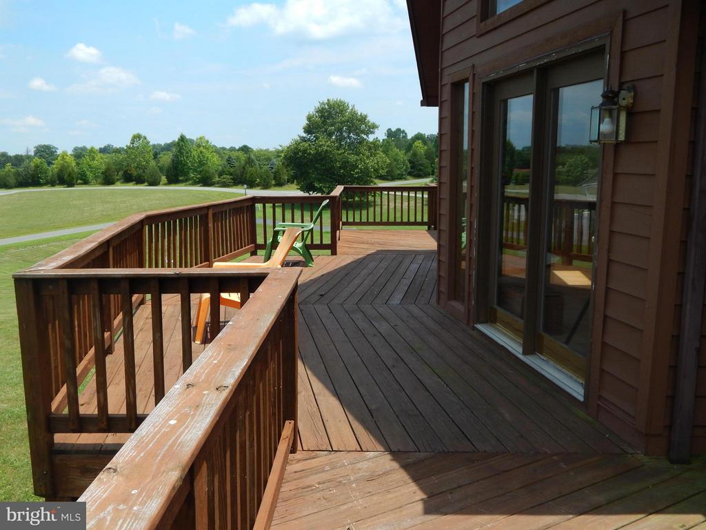 Front Deck - 367 SECLUSION SHORES DR, MINERAL