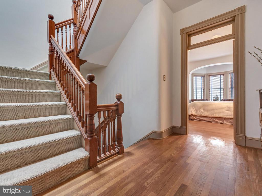 Gleaming hardwood floors and staircase - 30 3RD ST, FREDERICK
