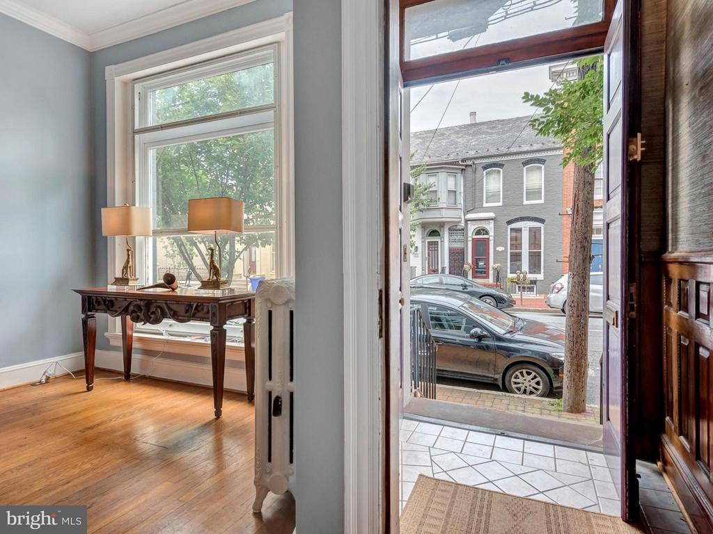 Welcome home to this historic downtown gem! - 30 3RD ST, FREDERICK