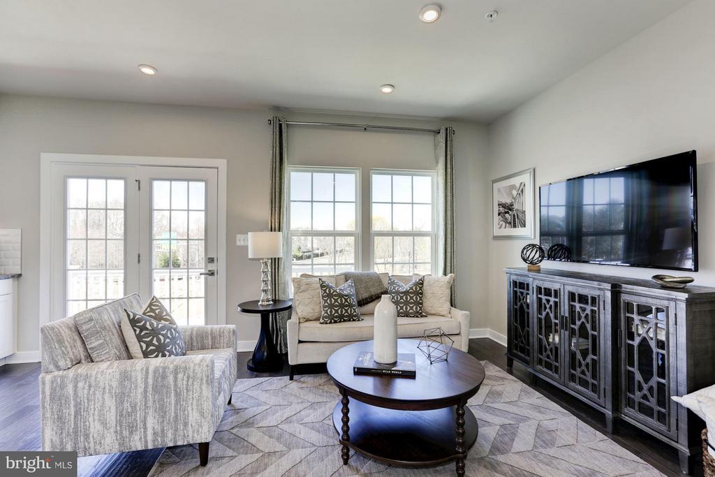 Living Room - 701 SKY BRIDGE DR #207A, LARGO