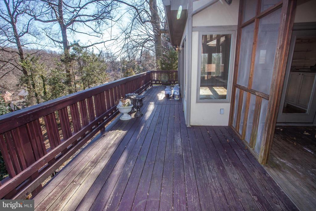 Expansive rear porch - 7019 31ST ST NW, WASHINGTON