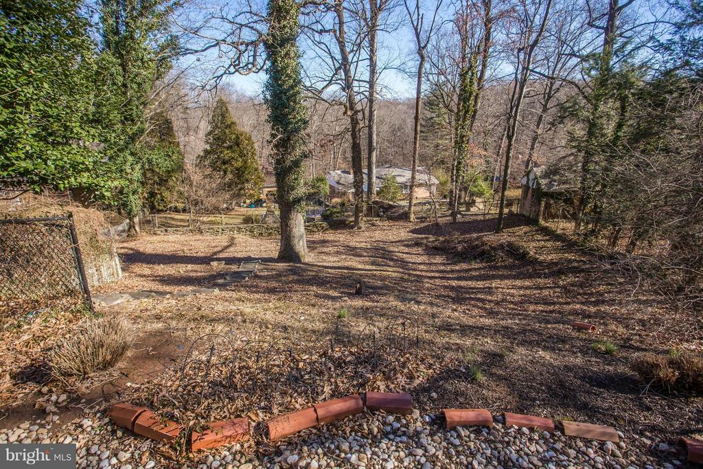 Large backyard is zoned for pool and guest house!! - 7019 31ST ST NW, WASHINGTON
