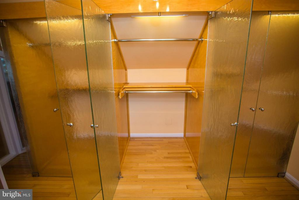 Unique expansive closet space upstairs - 7019 31ST ST NW, WASHINGTON