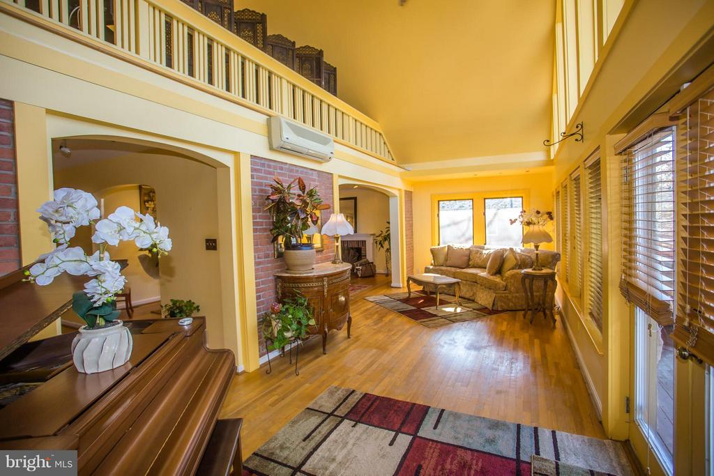 Enter into a gorgeous, open concept with HW floors - 7019 31ST ST NW, WASHINGTON