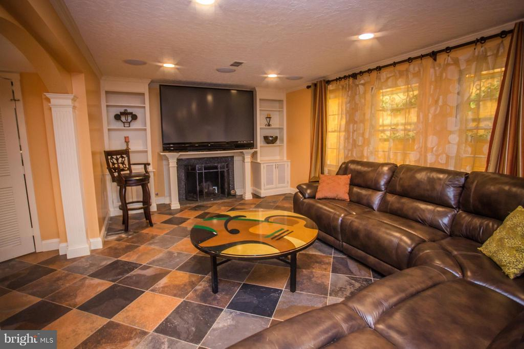 State of the art media room! Bar/pool table convey - 7019 31ST ST NW, WASHINGTON