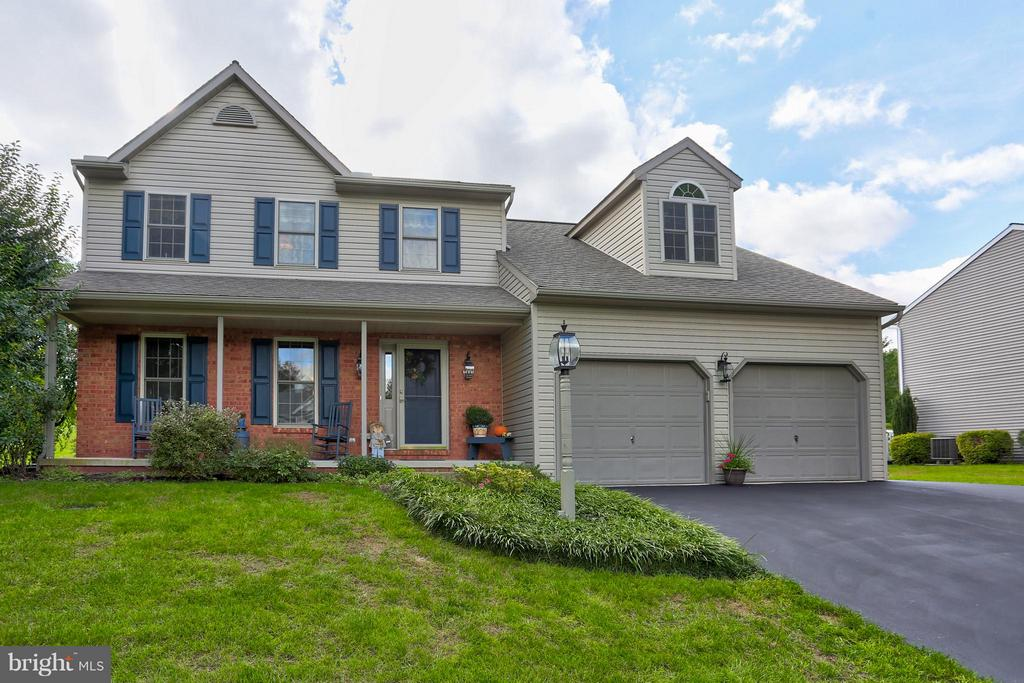 12  FOX RUN TERRACE, Manheim Township in LANCASTER County, PA 17543 Home for Sale