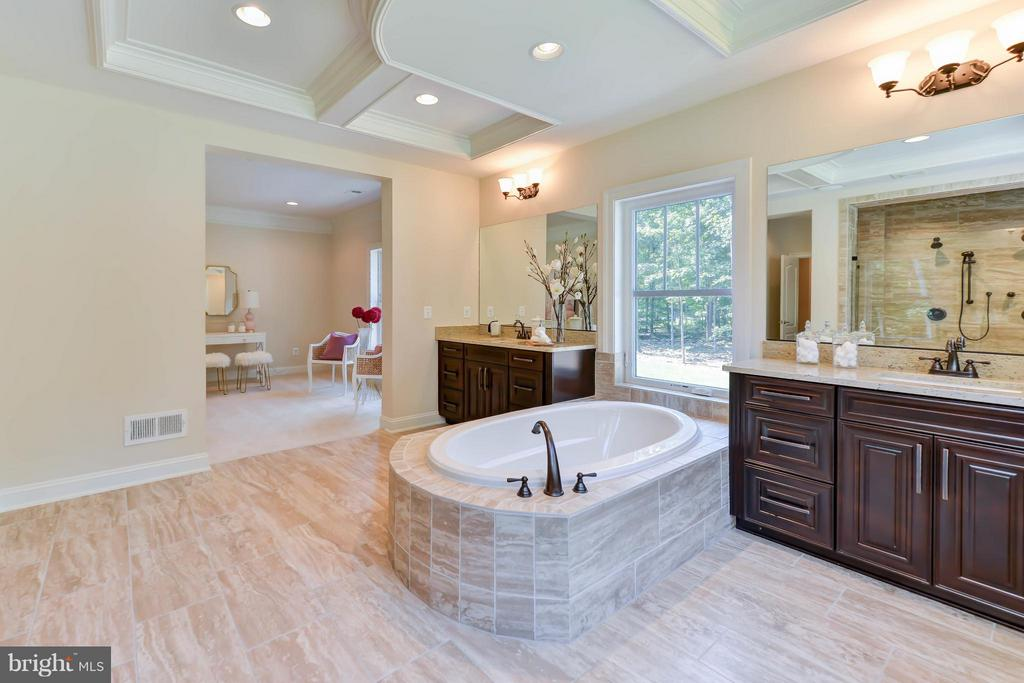 Bath - 12211 DEER CREST CT, FAIRFAX