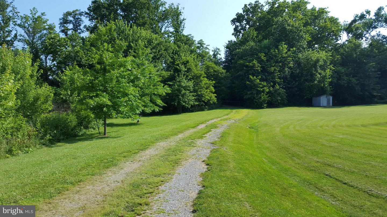 Additional photo for property listing at 13882 Charles Dr  Waynesboro, Pennsylvania 17268 United States