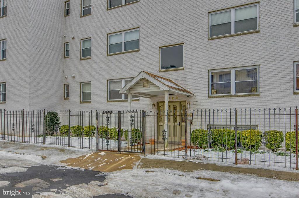 Exterior (Front) - 4929 FOOTE ST NE #1, WASHINGTON