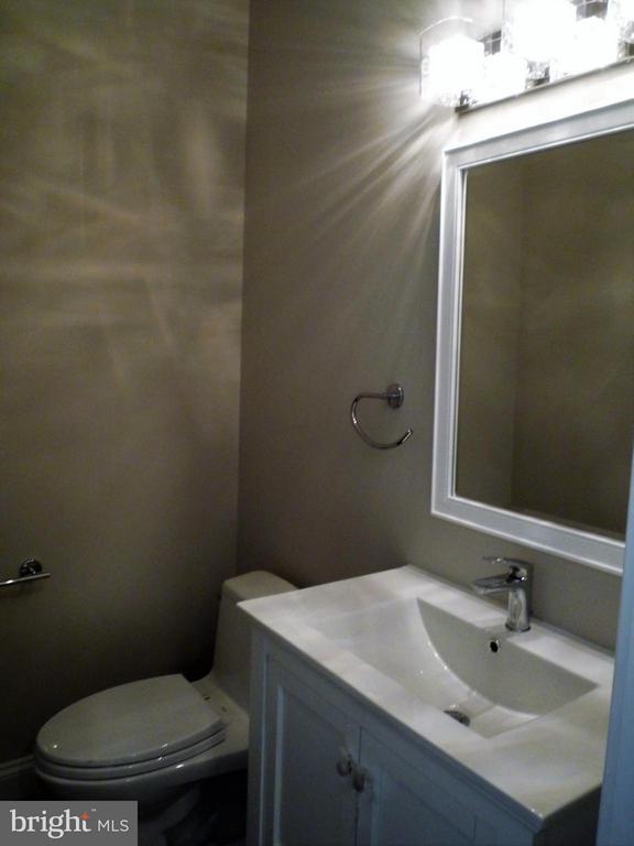 Powder Room - 5919 RYLAND DR, BETHESDA
