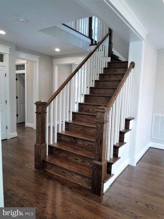 Stairs - 5919 RYLAND DR, BETHESDA