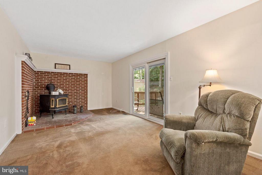 Family Room - 16116 INDUS DR, WOODBRIDGE