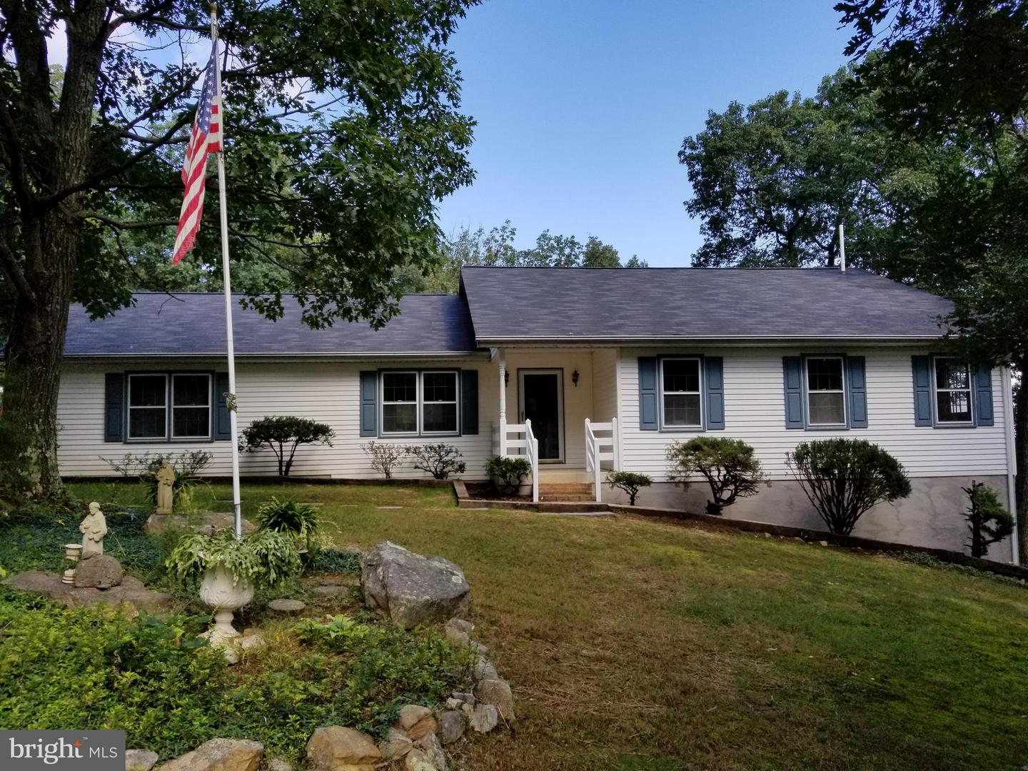 Single Family for Sale at 752 Enchanted Pl Front Royal, Virginia 22630 United States