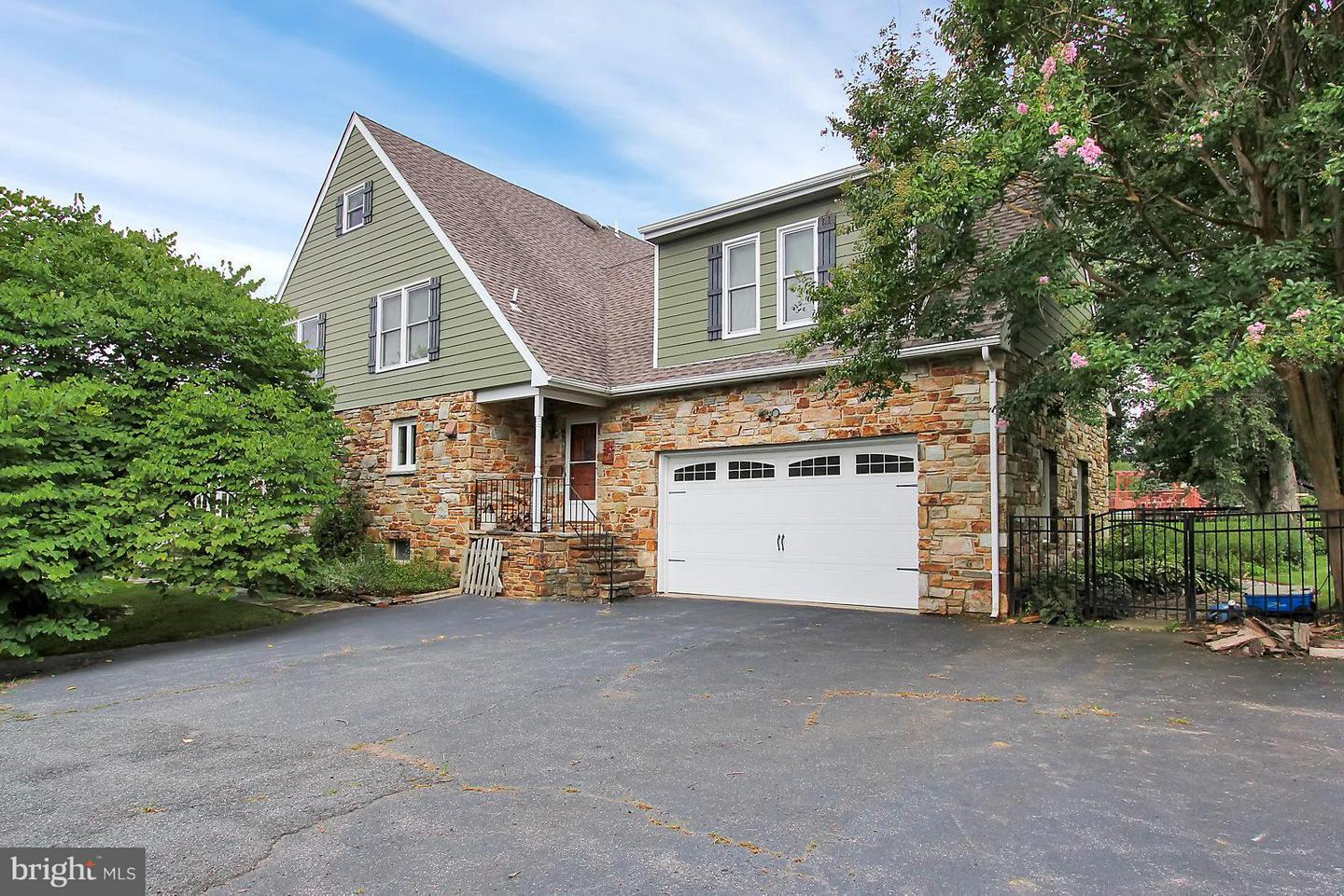 Single Family for Sale at 14011 Manor Rd Baldwin, Maryland 21013 United States