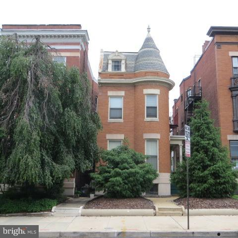 Single Family for Sale at 2919 Calvert St N Baltimore, Maryland 21218 United States
