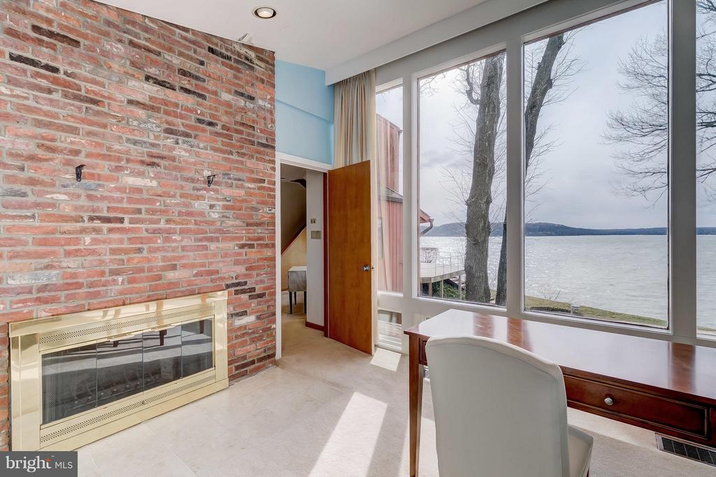 Office w/ fireplace and Severn views - 312 RUGBY COVE RD, ARNOLD