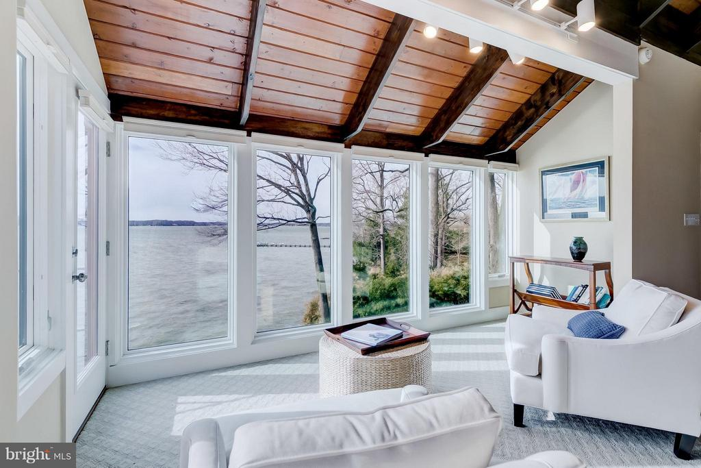 Master Sitting area w/ Severn Views - 312 RUGBY COVE RD, ARNOLD