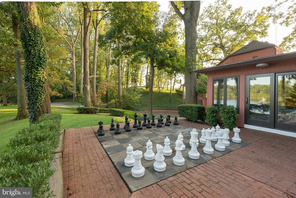 Patio Chess set - 312 RUGBY COVE RD, ARNOLD