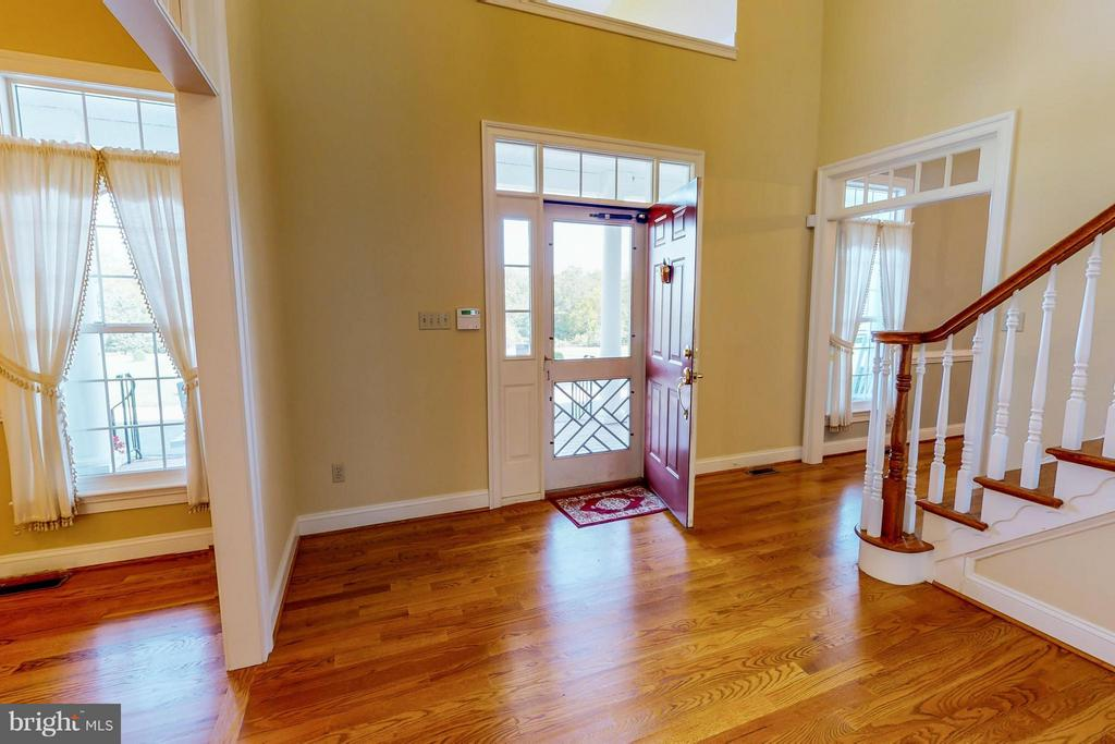Entrance Foyer - 1600 MILLWOOD PIKE, WINCHESTER