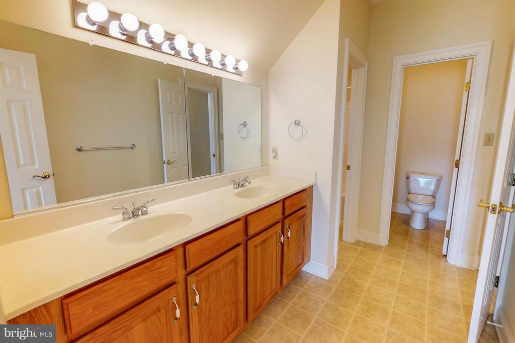 Level 3 Bathroom - 1600 MILLWOOD PIKE, WINCHESTER