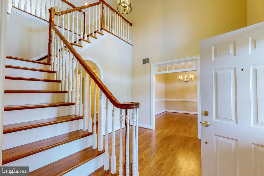 Stairway - 1600 MILLWOOD PIKE, WINCHESTER